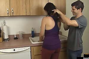 Big bOObed Mommy Charlee Chase Blows Her Hard Hubby During Shampoo!