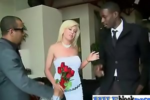 Sexy Milf (sindi star) In Sex Action Busy On Monster Black Dick vid-25