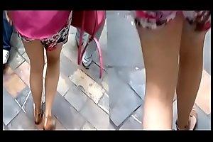 BAJO FALDA UPSKIRT Hermosa Escort Mexicana , hermosas piernas, latin whore