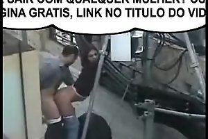 Casal flagrados fudendo no meio da rua ! QUER SAIR COM QUALQUER MULHER ACESSE GRATIS:   xxx video bit.ly/DICASPARAHOMENS