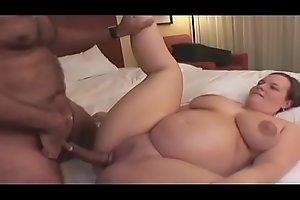 Curvy pregnant bitch Tessa enjoys ridding long cock in bed