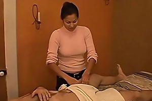 Getting a handjob from my Latina masseuse