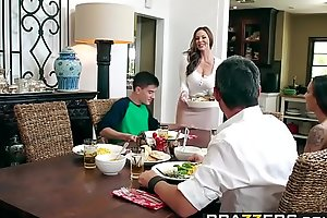 Brazzers.com - milfs perforce large - kendras thanksgiving stuffing scene starring kendra lust together with jordi el