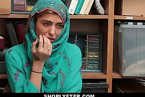 Shoplyfter- hot muslim in force maturity teenager noisome & harassed