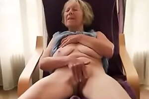 Grandma fingering her cunt and reach a great orgasm