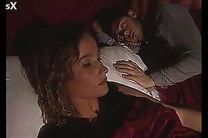 Le pone los cuernos a su marido mientras el d. con su compañero de trabajo (Español)